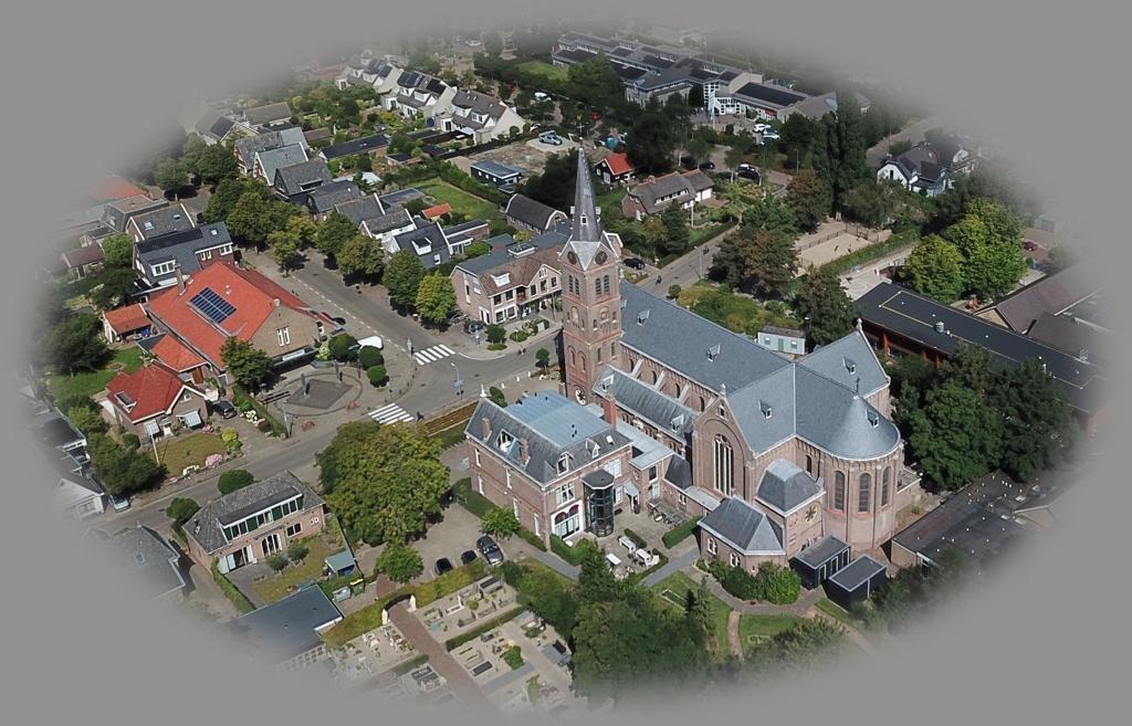 luchtfoto Corneliuskerk van Piet
